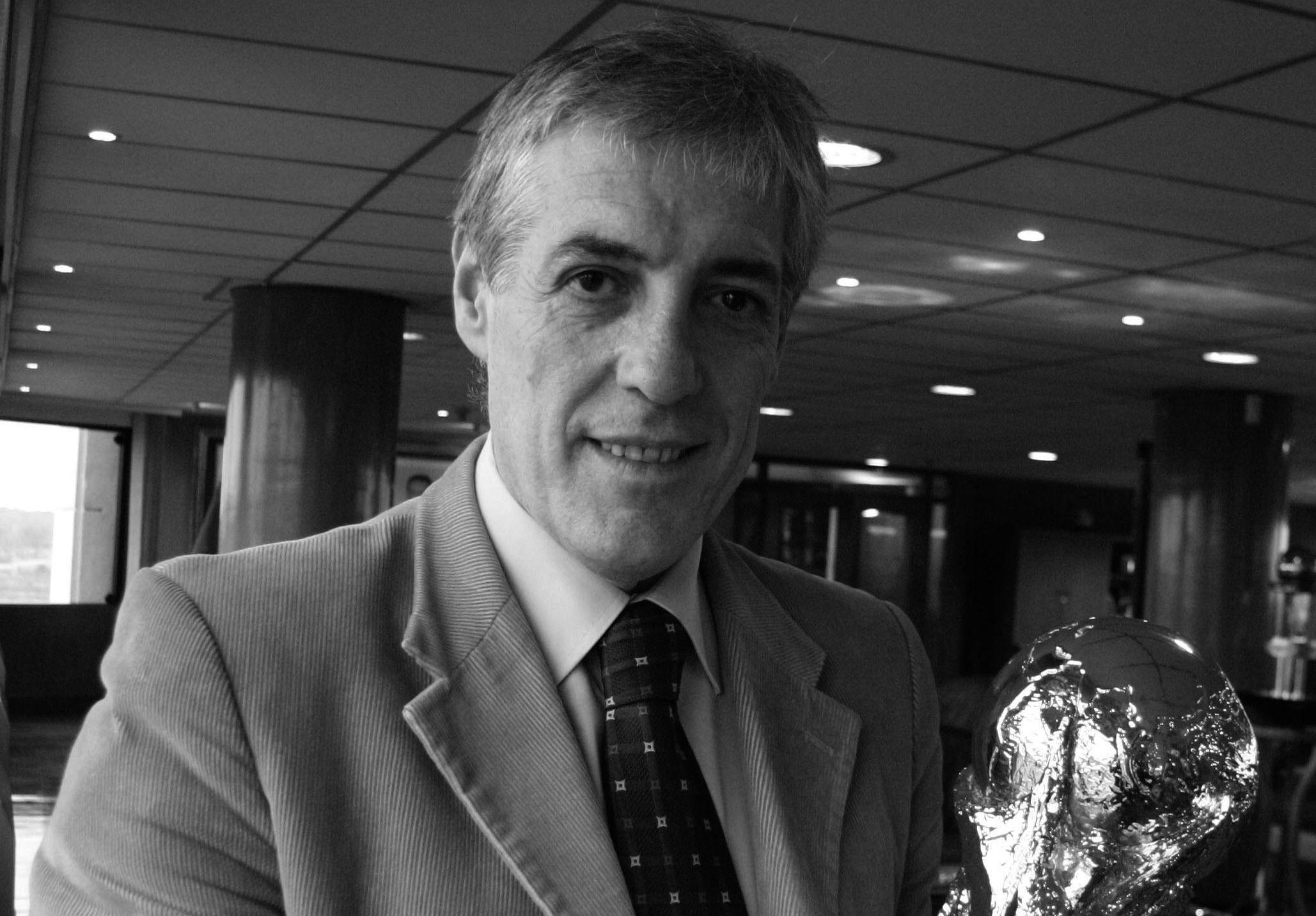 Sobre Barraza, sociedades y fútbol