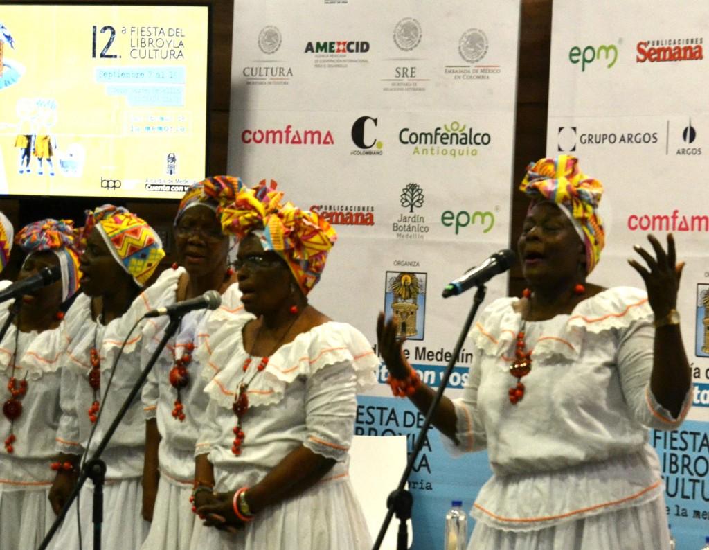 Cantaoras en l Fiesta del Libro Foto: Cortesía Juan Esteban Aristizábal