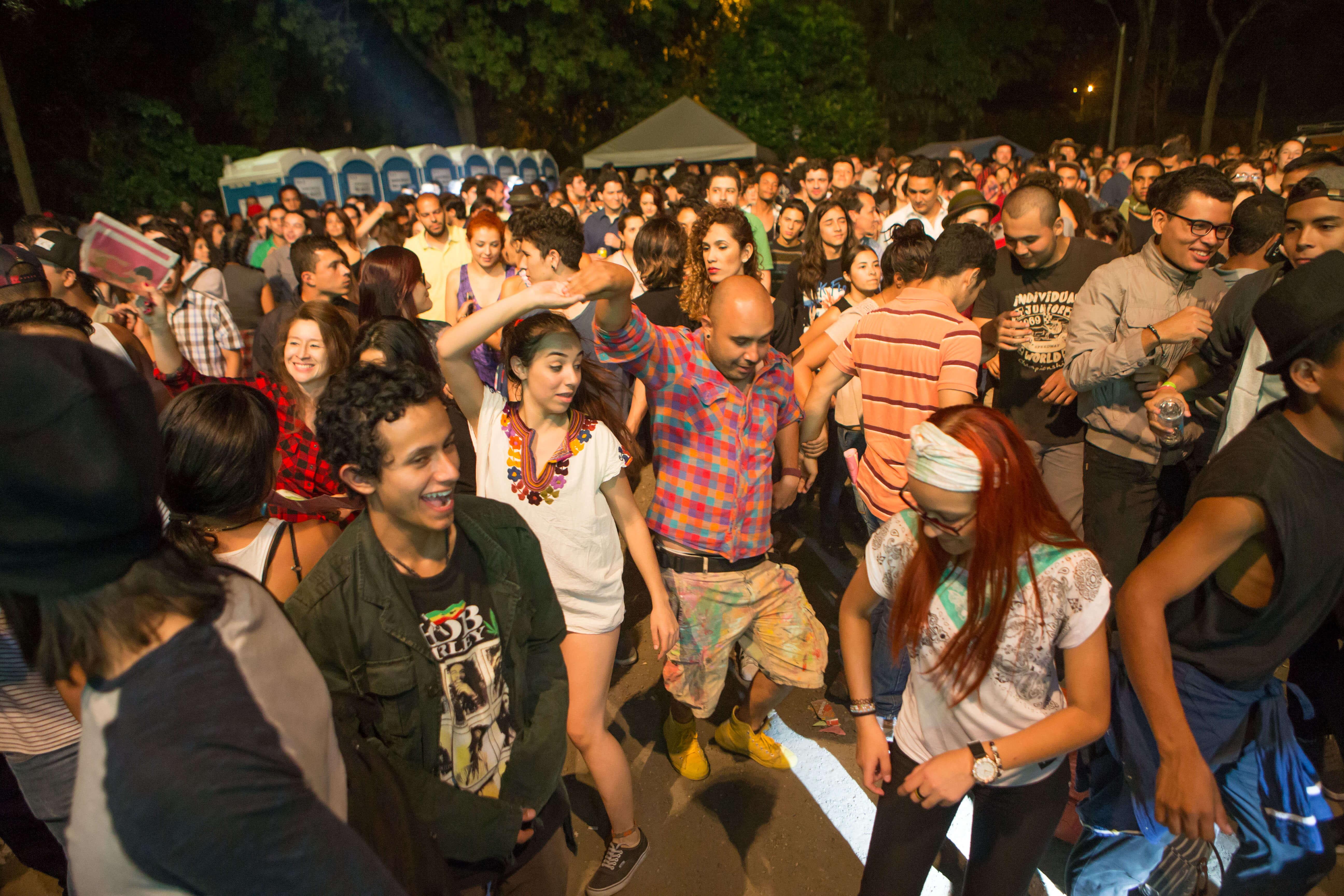 Medellín amanecerá despierta con la 9ª Parada Juvenil de la Lectura